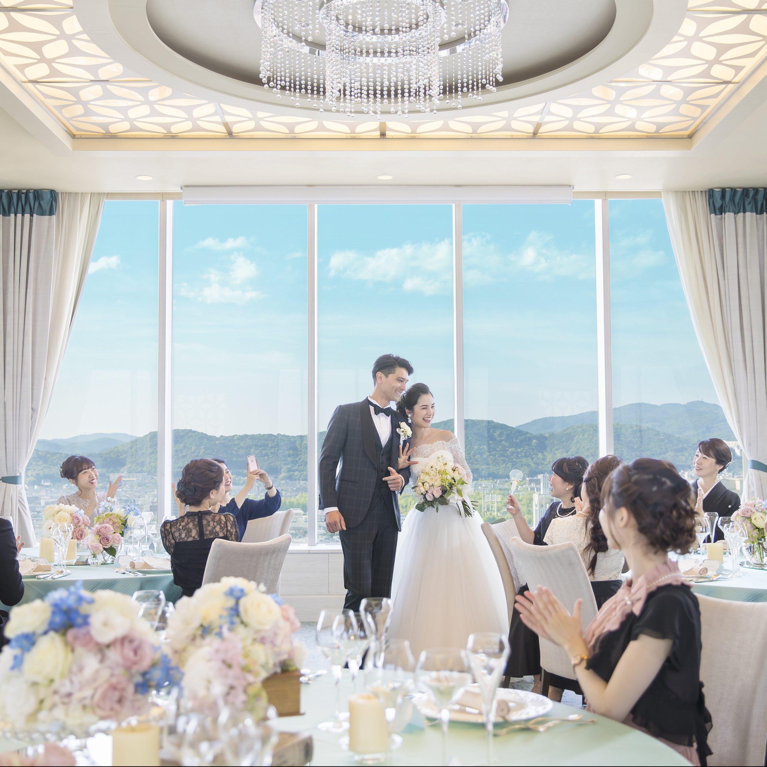 ホテル高層階ワンフロア貸切が叶う人気会場。