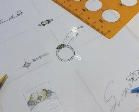 プロのジュエリーデザイナーが 細密にデザイン画を作成